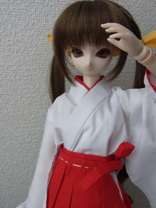 50ミニ丈巫女服03