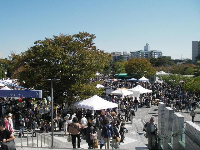 関西蚤の市屋外エリア2014