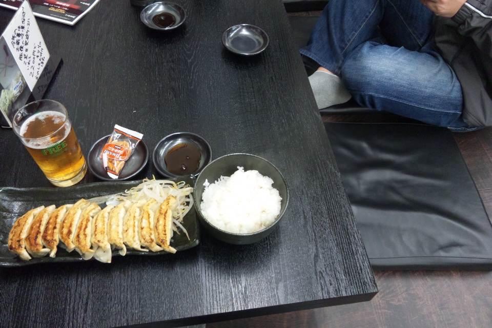餃子中10個いり500円
