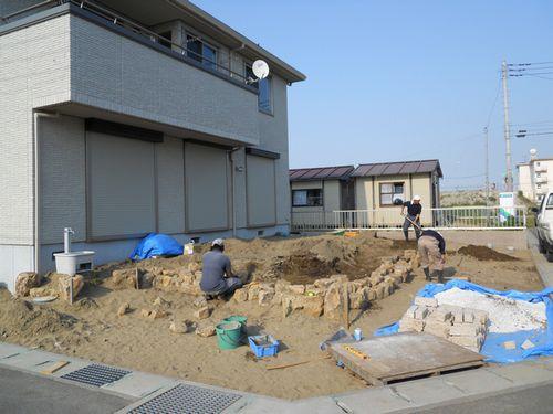 石組み施行中