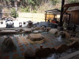 110317 龍徳温泉 露天風呂