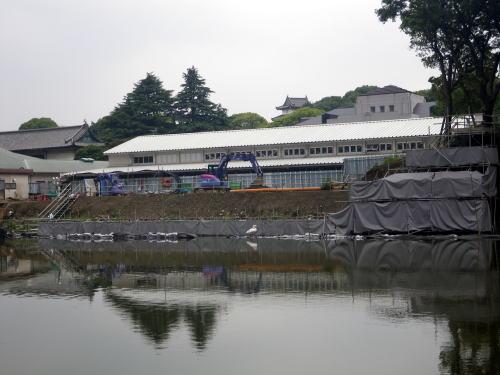 江戸城の濠の石垣修理
