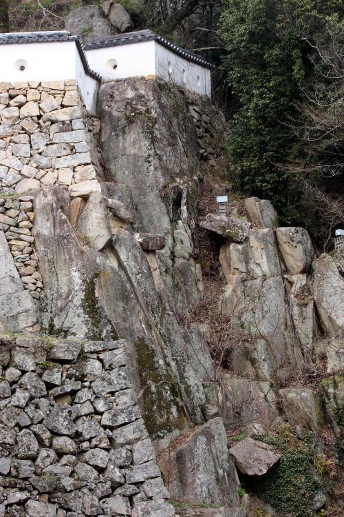 備中松山城 巨岩の石垣