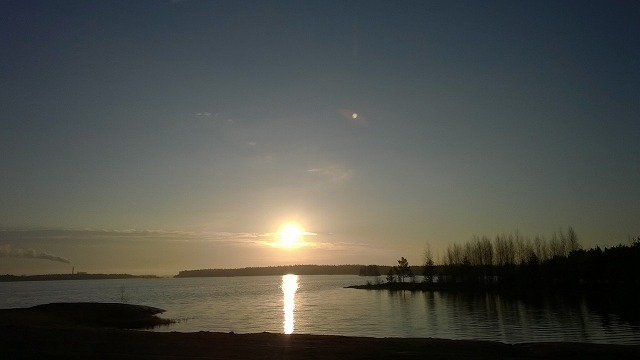 太陽と湖1