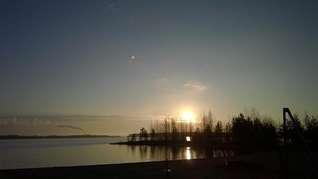 太陽と湖2