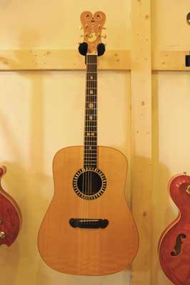 初アコースティックギター