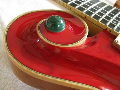 孔雀石ギター