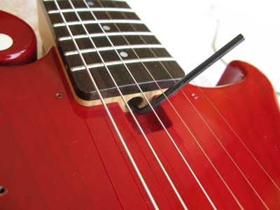 ギターネックロッド調整