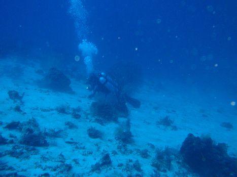水深50m