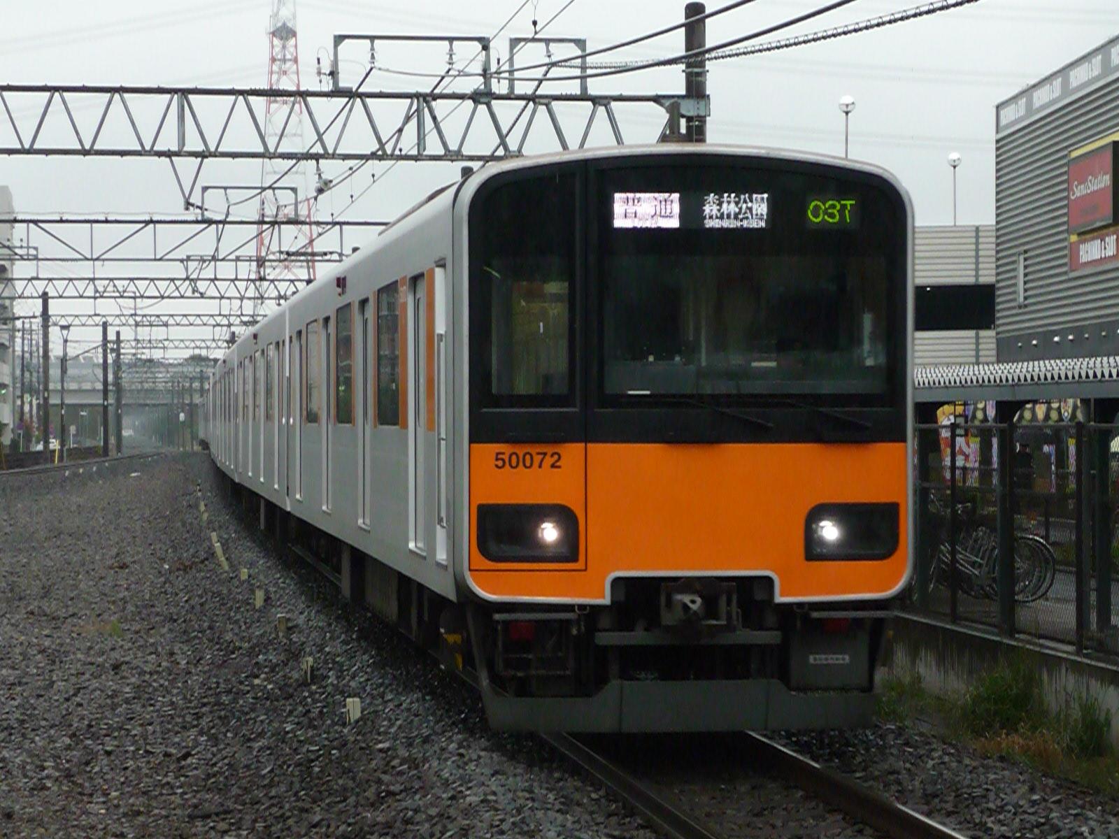2011-12-01-03