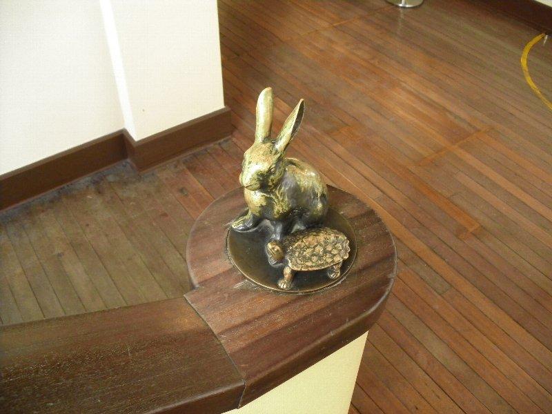階段のオブジェ。