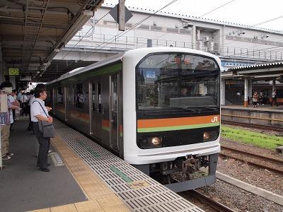 八高線拝島駅