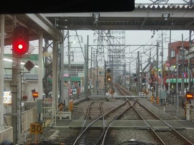 多磨駅から武蔵境方面を望む