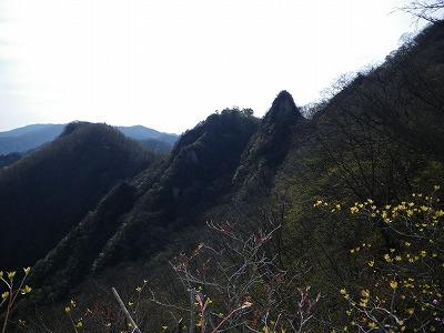 マルへ向かう稜線から天狗岩