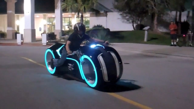 TRON-Lightcycle.jpg