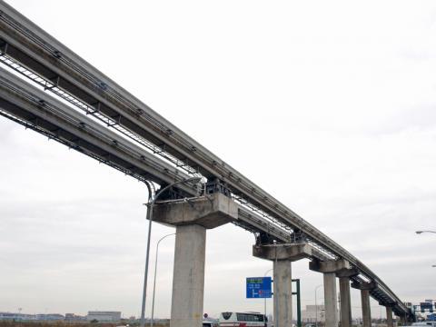 東京モノレールのレールの写真