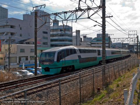 東戸塚駅近くより撮影したスーパービュー踊り子 251系電車