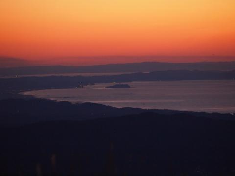 矢倉岳から見た江ノ島