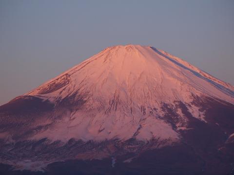 朝日の当たる富士