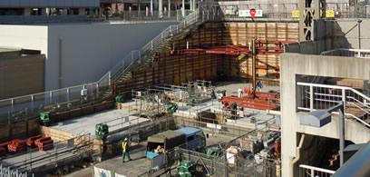 建設中のyotsubako