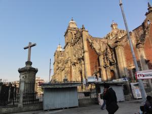 Mexico 中央ソカロ広場のカテドラル