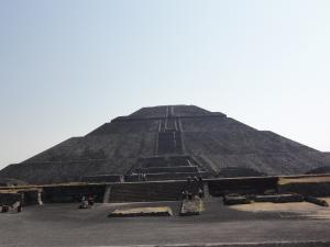 世界遺産〝ティオティワカン〟太陽のピラミッド