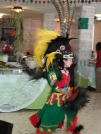 アステカ衣装をまとったアステカ民謡