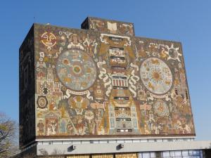 Mexico国立大学内にある世界遺産の壁画①