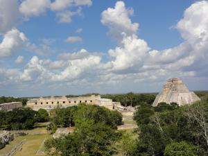 〝ウシュマル遺跡〟内上から見た風景
