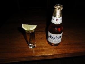 Barで飲んだテキーラ〝センタナリア〟&Beer〝モンテホ〟