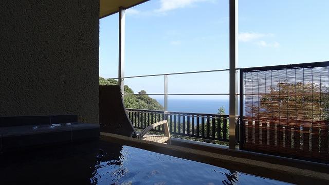 部屋風呂から景色