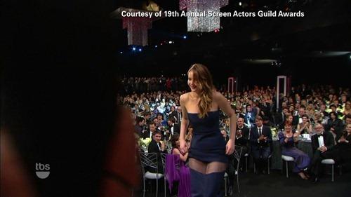 Jennifer Lawrence wardrobe malfunction SAG Awards 04