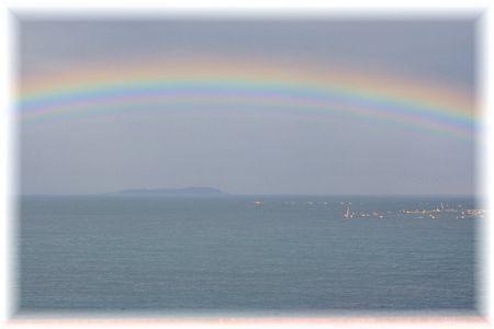 11月12日のいるか浜の虹①