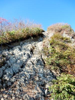 谷川岳山頂へ岩場