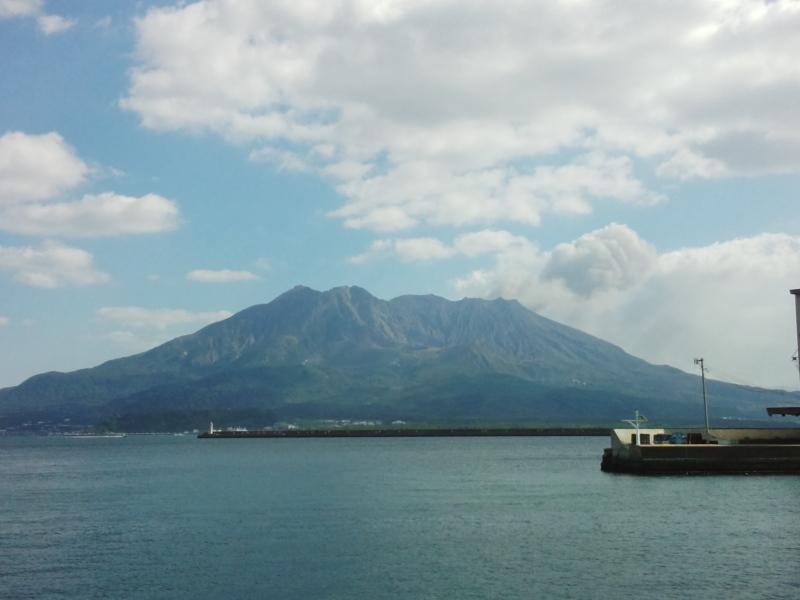 鹿児島港より桜島