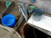 井戸の横に設けられた水道