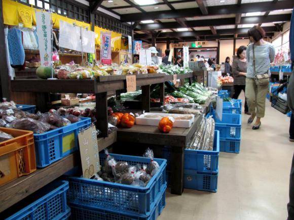物産館 農産物売り場