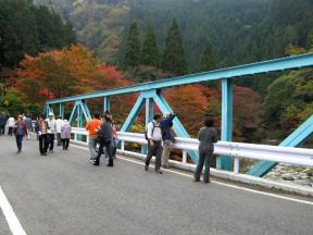 大釣橋の上はカメラマンに大人気