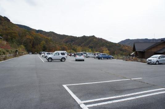 紅葉 みずがき山 駐車場