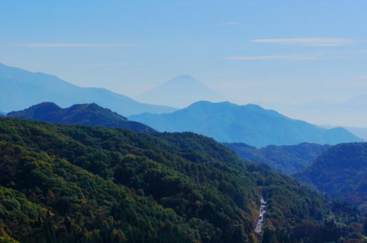 紅葉 八ヶ岳高原大橋 富士山