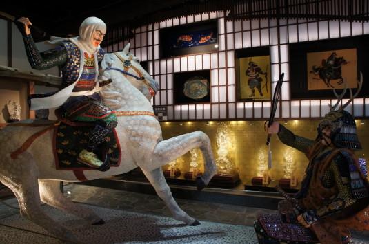 昇仙峡観光 水晶宝石博物館 一騎討ち