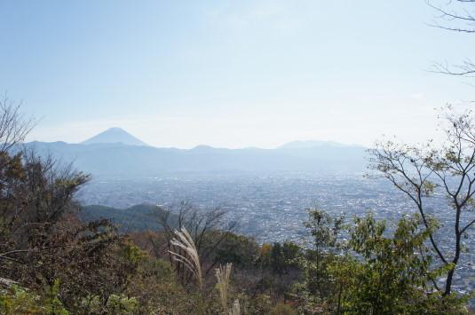 紅葉 武田の杜 展望台 富士山
