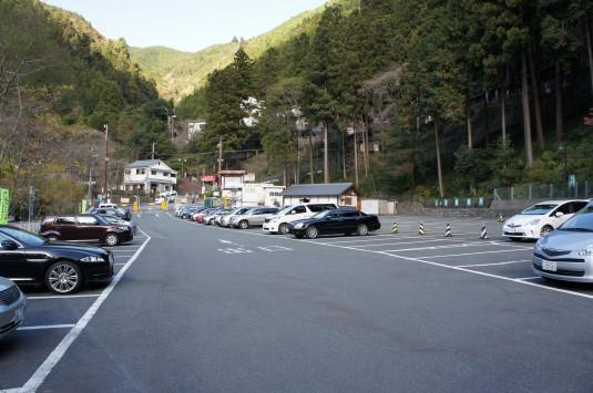 紅葉 久遠寺 駐車場