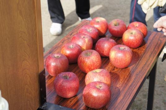 津金のリンゴ祭り リンゴ