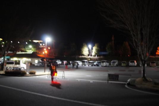 除夜の花火 駐車場