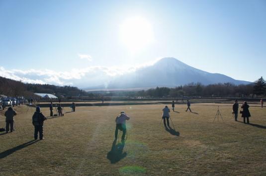 ダイヤモンド富士 花の都公園 観客