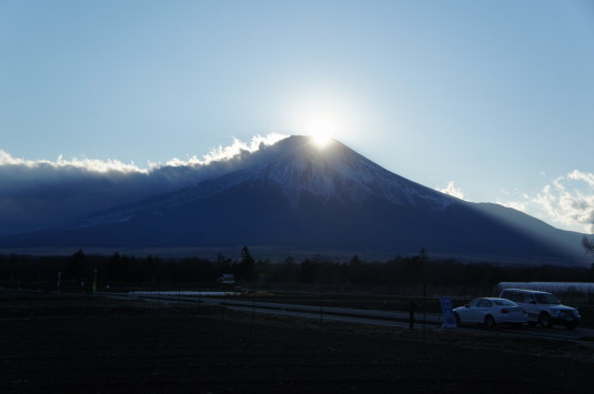ダイヤモンド富士 花の都公園 外観