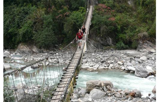 モディコーラに架けられた吊り橋