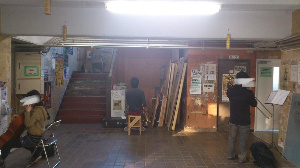 文化サークル棟入口