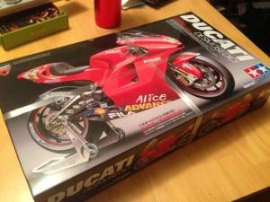 Ducati-01.jpg